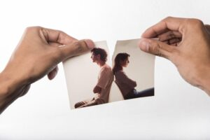 rozdzieranie zdjęcia